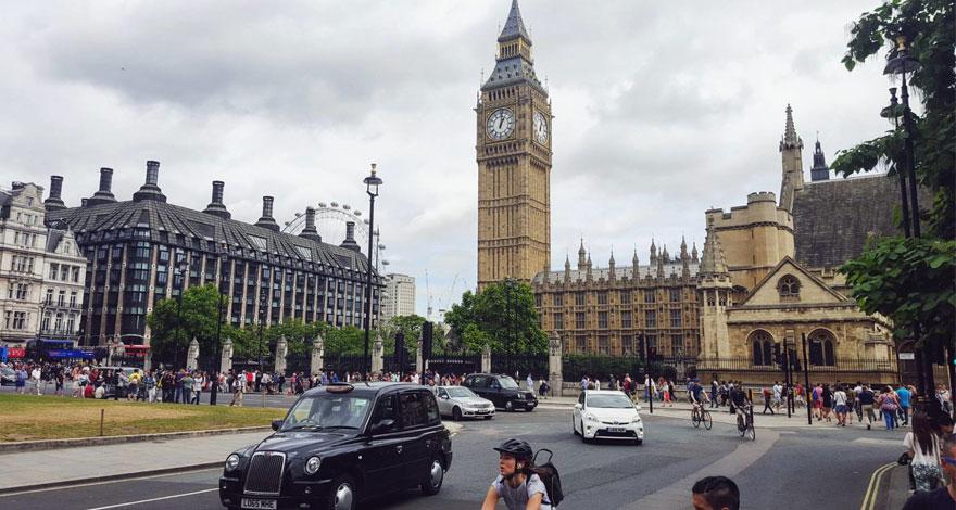 تحصیل در دانشگاه اقتصاد و علوم سیاسی لندن (LSE)