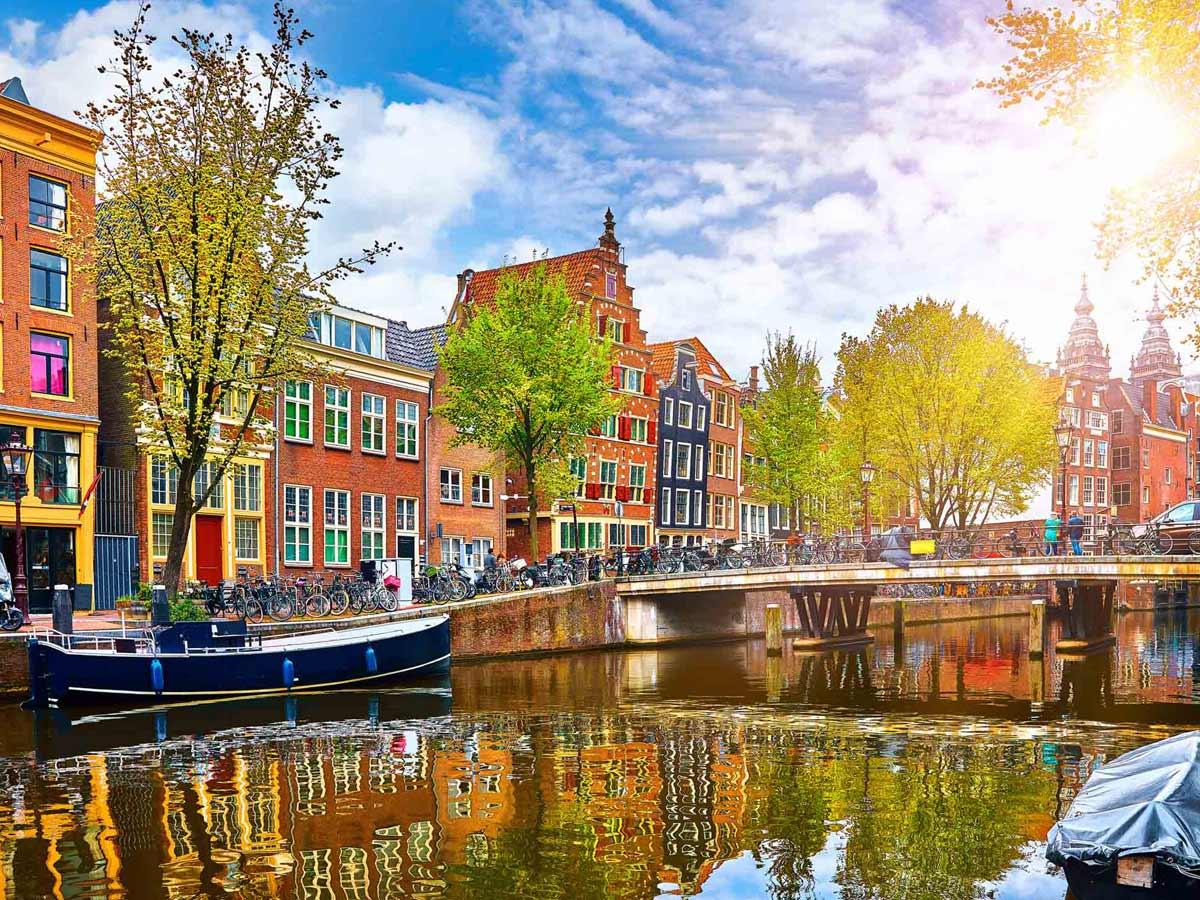 زندگی دانشجویی در آمستردام