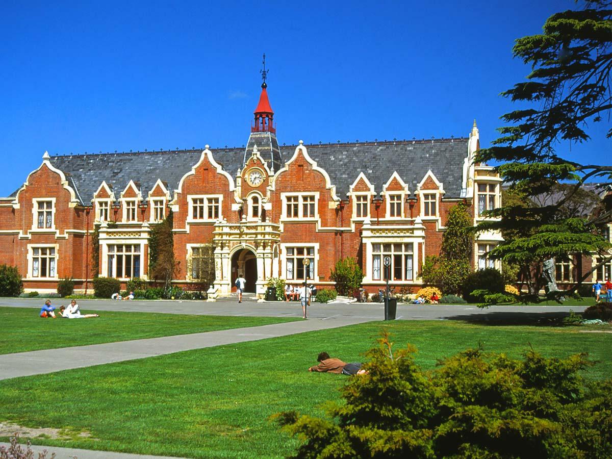 تحصیل در دانشگاه کانتربری
