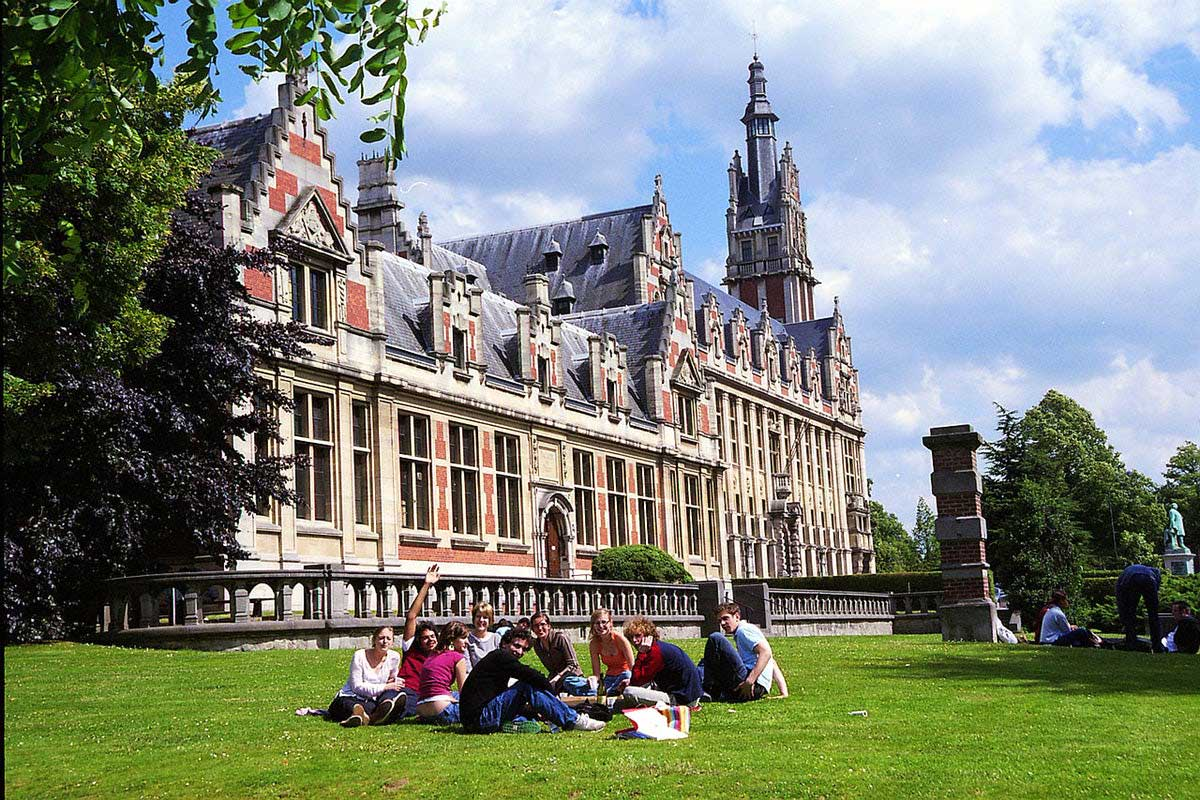 تحصیل در دانشگاه آزاد بروکسل