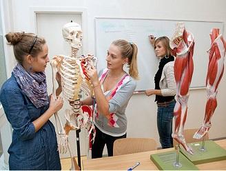 دانشکده پزشکی دانشگاه ویتن هردک